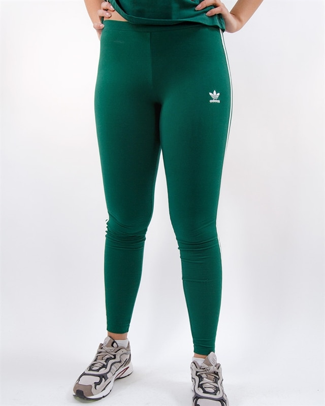 737cffd1bb762f adidas Originals 3 Strap Tight | DV2613 | Green | Kläder | Footish