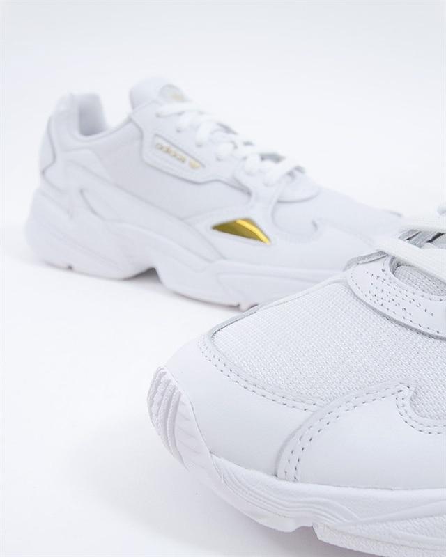adidas Originals Falcon W   EE8838