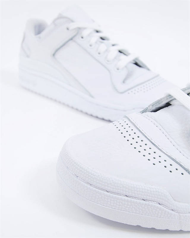 brand new cfd0f 97fd4 adidas Originals Forum LO Decon (B37873). 1