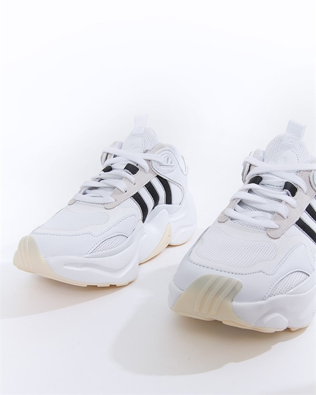 adidas Originals Magmur Runner W | EE5139 | Vit | Sneakers | Skor | Footish