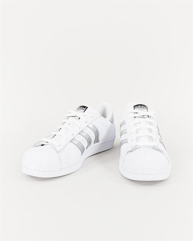Superstar (Ftwwhtsilvmtcblack) (999 kr) adidas Originals