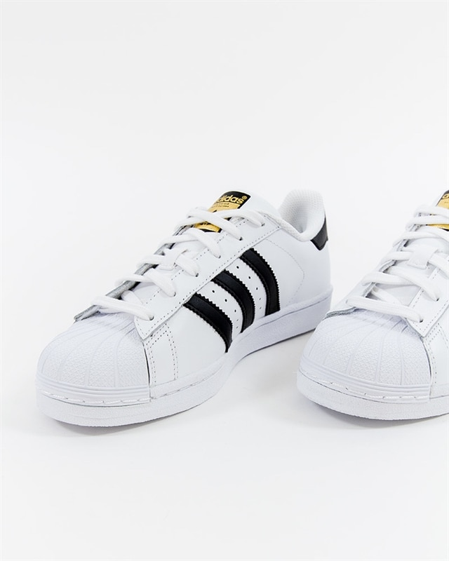 adidas superstar c77124 originali: se sei bianco footish