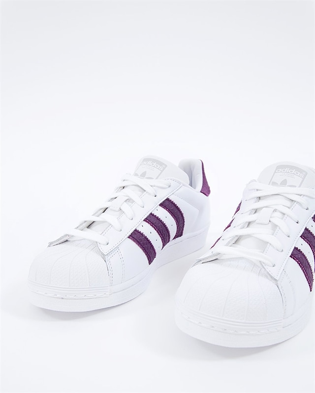 huge selection of e3515 4aa2d adidas Originals Superstar W (B41510). 1