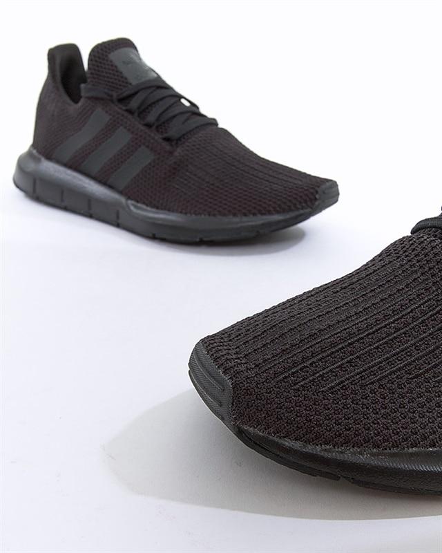 Adidas Swift Run Herr skor in 12544 Stockholm für SEK 300,00