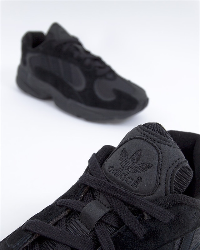 official photos d562b d2bc9 adidas Originals Yung-1   G27026   Black   Sneakers   Skor   Footish