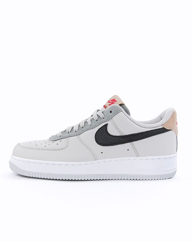 outlet store sale c84ee 2d34e Nike Air Force 1 07 (BV0322-001)