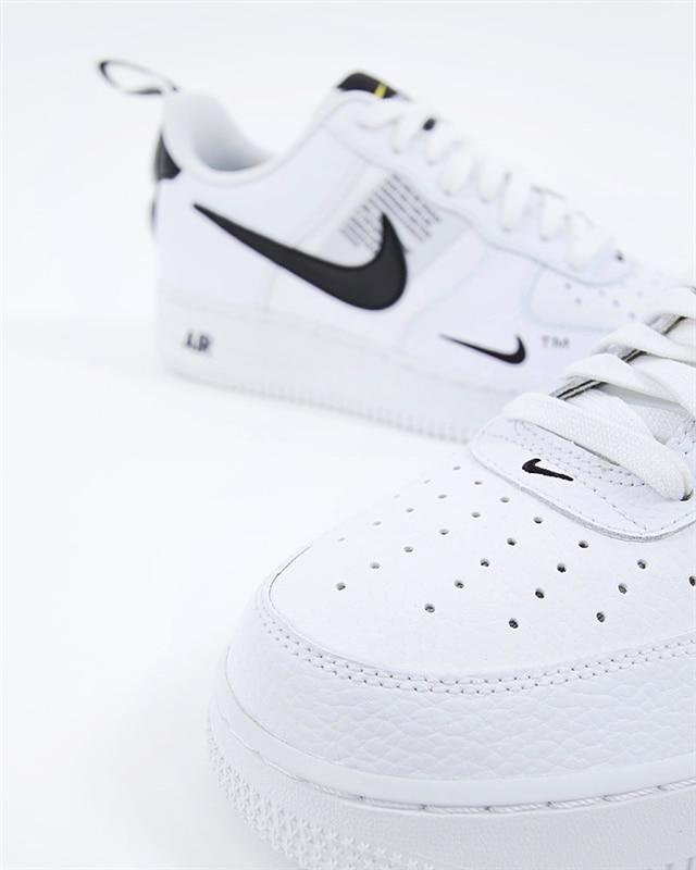 Nike Air Force 1 07 LV8 Utility | AJ7747 100 | Vit | Sneakers | Skor | Footish