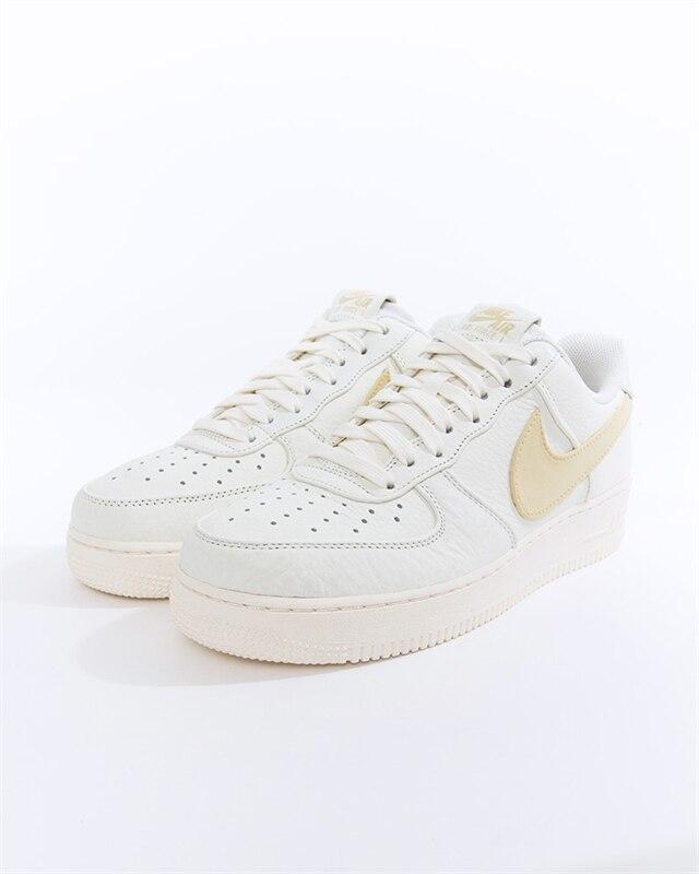 Nike Air Force 1 07 Premium 2