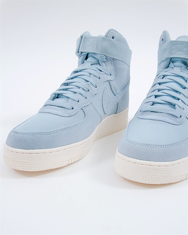 pretty nice 316d6 8aa09 Nike Air Force 1 High 07 Suede (AQ8649-400). 1