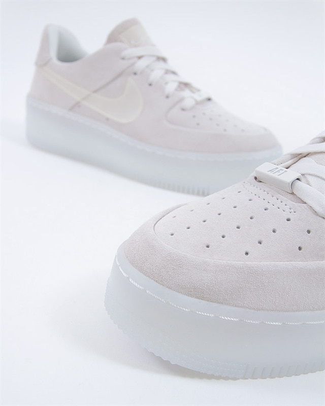 the best attitude d97f9 49e2c Nike Air Force 1 Sage Low LX