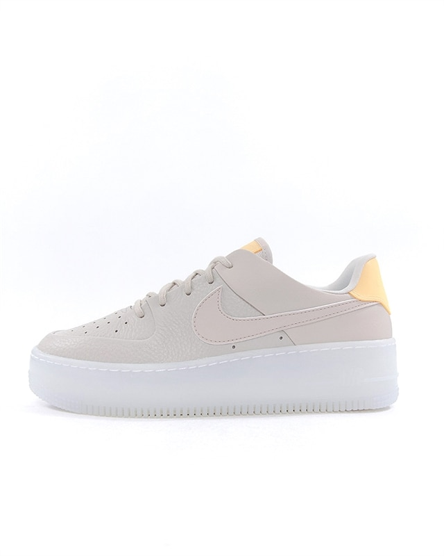 the best attitude 8f0c1 d943d Nike Air Force 1 Sage Low LX