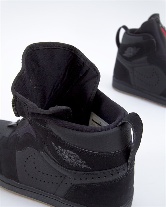 super popular 9e370 51d11 Nike Air Jordan 1 High Zip | AR4833-002 | Black | Sneakers | Skor ...