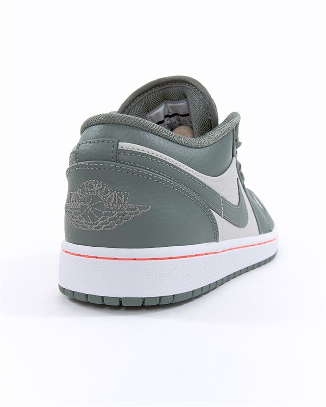 new product 9cd63 81f25 Nike Air Jordan 1 Low (553558-121). 1