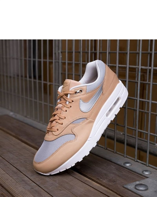 outlet store c5f9d 2b9c0 Nike Air Max 1 SE Premium (AO0795-200). 1