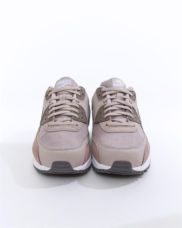 new arrival c3d02 e8d43 Nike Air Max 90 Essential (AJ1285-204). 1