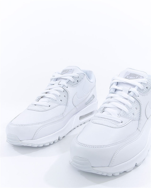 new product 9a640 b0806 Nike Air Max 90 Leather (302519-113). 1