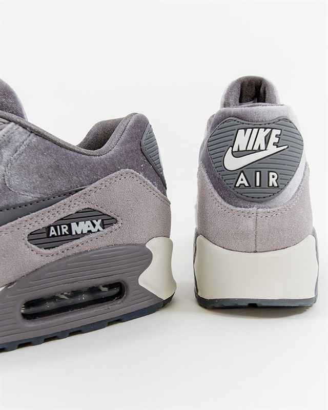 Nike Air Max 90 LX Black 898512 007 Footish: If you´re