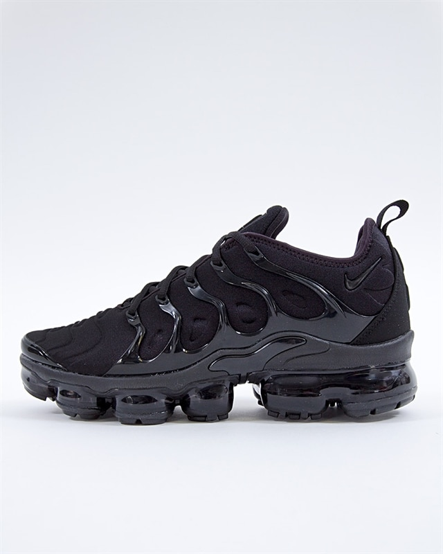 e1a72da7b72 Nike Air Vapormax Plus (924453-004). 1