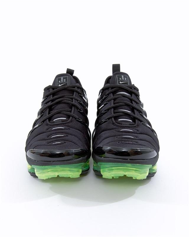the latest ebaf8 fbad4 Nike Air Vapormax Plus   924453-015   Black   Sneakers   Skor   Footish
