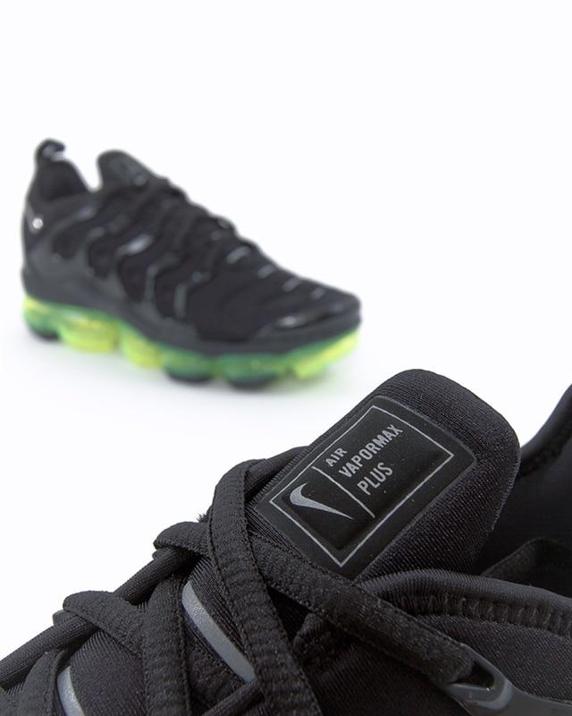 buy popular bbca6 83475 Nike Air Vapormax Plus (924453-015). 1
