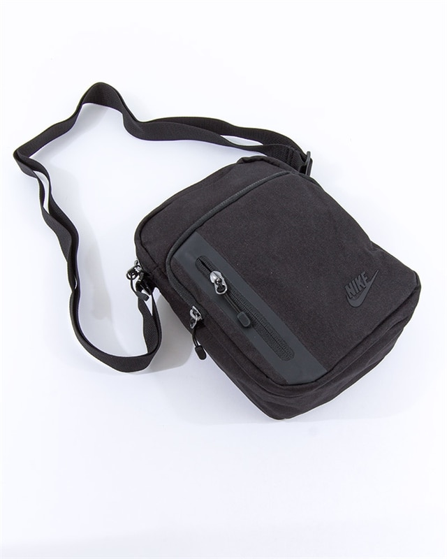 e2634bca405 Nike Core Small Items 3.0 Bag   BA5268-010   Black   Kläder   Footish