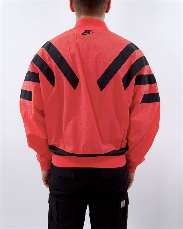 bb5e35970f1 Nike Jordan Srt Lgc AJ6 Nylon Jacket   BV5405-850   Yellow   Kläder ...
