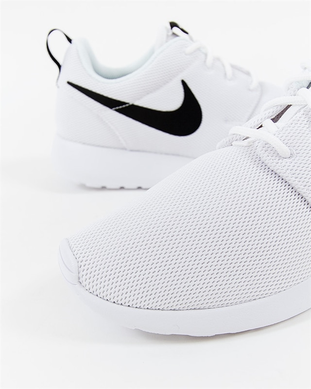 03b90453e42a4 Nike Wmns Roshe One - 844994-101 - Footish  If you´re into sneakers