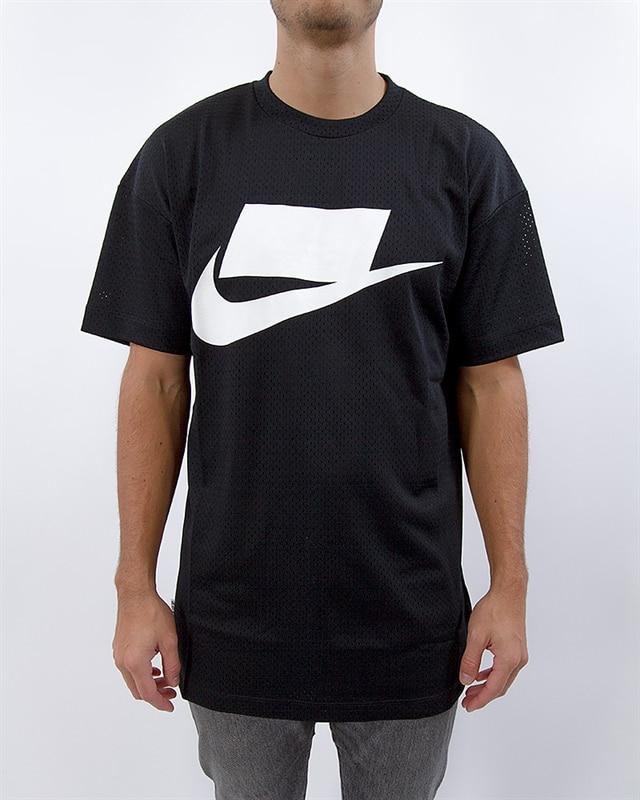 e0d8fdc2f Nike Sportswear NSW Tee | 928627-010 | Black | Kläder | Footish