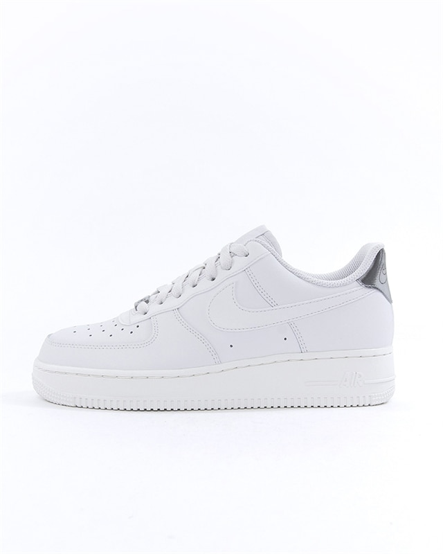 new styles ec05a 56cd2 Nike Wmns Air Force 1 07 Essential