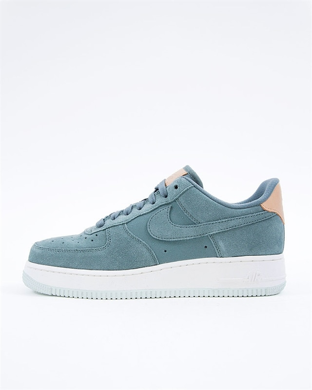 online store 98d69 84936 Nike Wmns Air Force 1 07 Premium