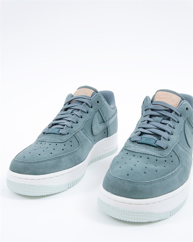 new concept fb859 e2bce Nike Wmns Air Force 1 07 Premium  896185-301  Green  Sneaker