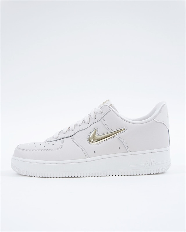 more photos 3fab0 63252 Nike Wmns Air Force 1 07 Premium LX
