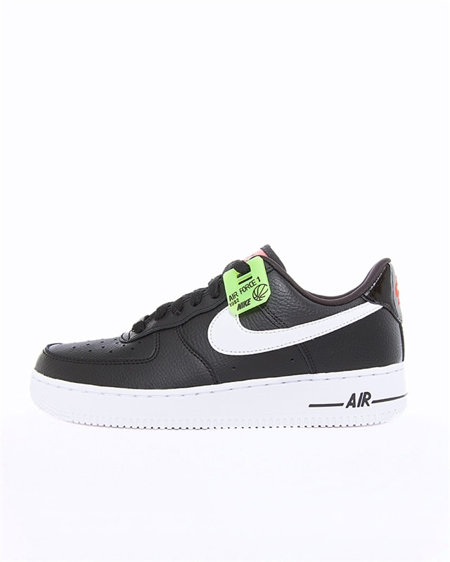Nike Wmns Air Force 1 ´07 SE LX | Vit | Sneakers | AJ0867