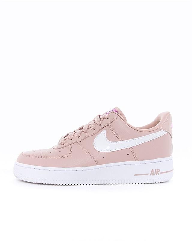 Nike Wmns Air Force 1 07 SE | CI3446 200 | Grå | Sneakers | Skor | Footish