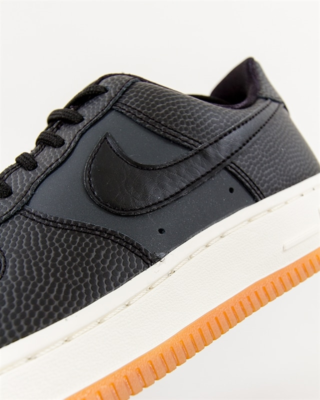 Dam Charming Nike Sportswear Air Force 1 07 Seasonal Skor