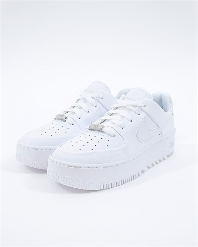 cheap for discount 41ab6 5dd99 Nike Wmns Air Force 1 Sage Low