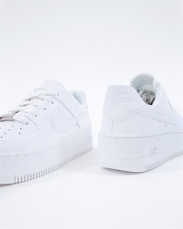size 40 e0a9d 149bc Nike Wmns Air Force 1 Sage Low (AR5339-100). 1