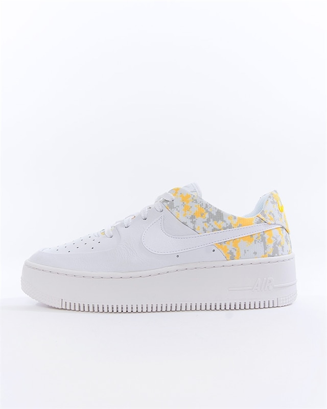 Nike Wmns Air Force 1 Sage Low Premium Camo | CI2673 100 | White | Sneakers | Skor | Footish