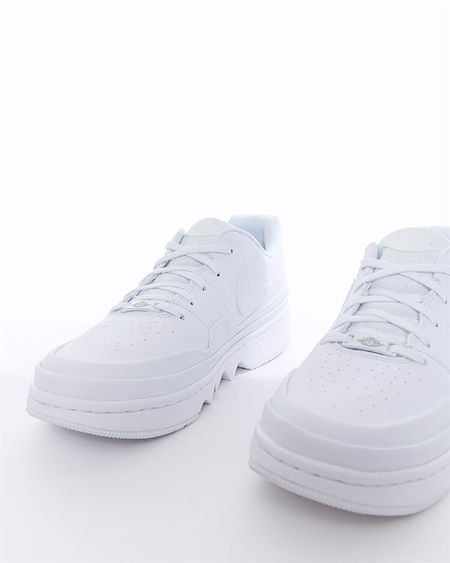 save off e1668 dc83a Nike Wmns Air Jordan 1 Jester XX Low Laced | CI7815-100 | White | Sneakers  | Skor | Footish