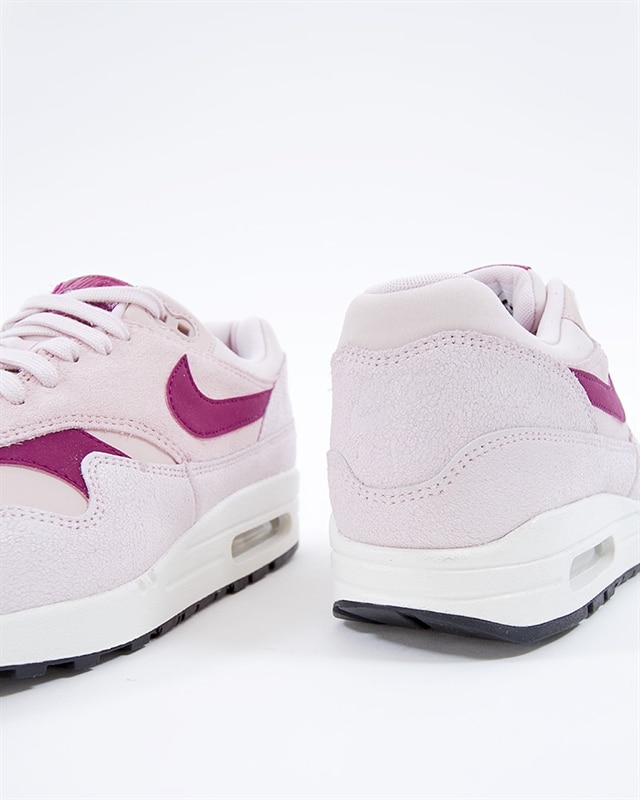 454746 604 Nike Wmns Air Max 1 Premium Barely RoseTrue