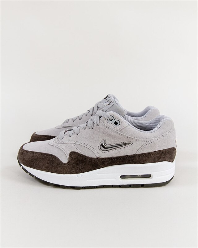 AA0512002 I5923 N5923 YUNG1 AA051200239 100000 airmax1. nike wmns air max 1  premium sc aa0512 002 if you´re into sneakers. FOOTISH 0a81b5074