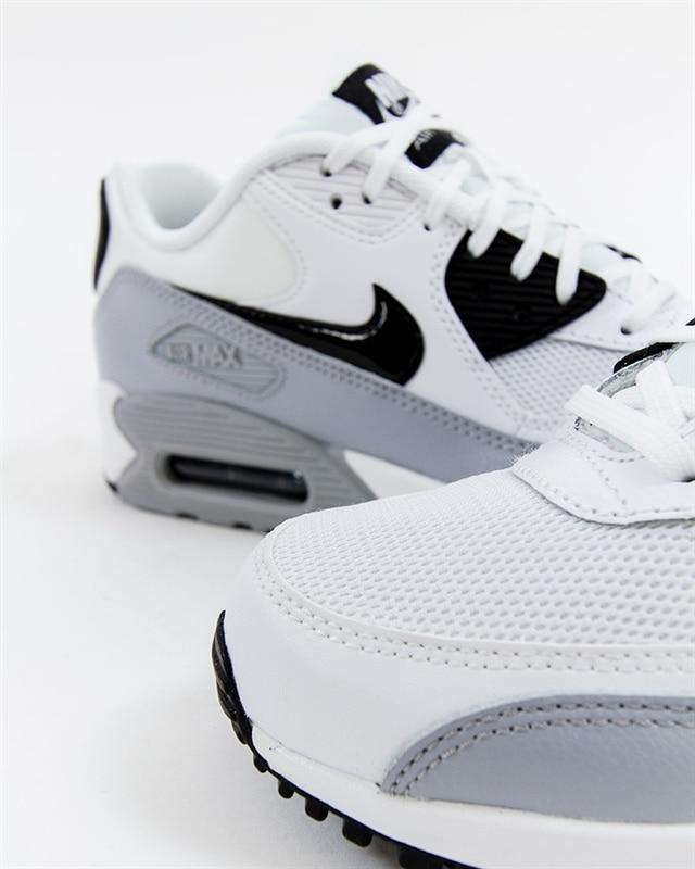 Nike Wmns Air Max 90 Essential Vit Sneakers 616730 111