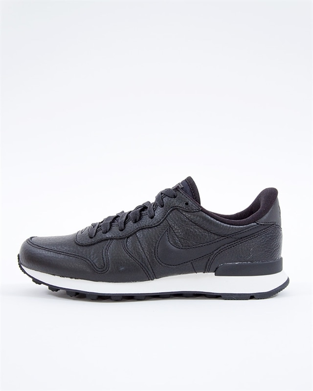 nike premium internationalist