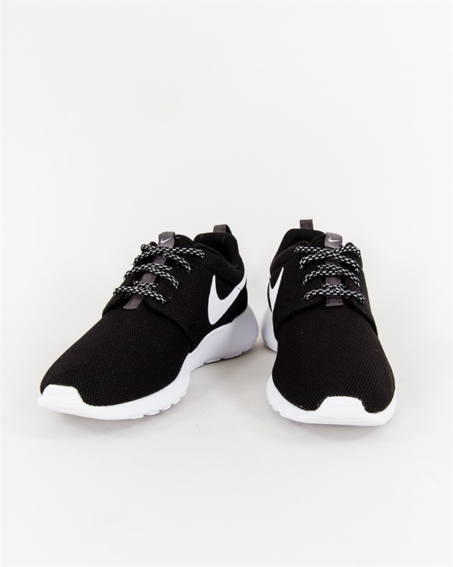 best website cb60e 83e9e Nike Wmns Roshe One - 844994-002 - Footish  If you´re into sneakers