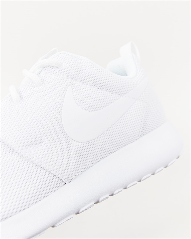 6f39191785cf1 Nike Wmns Roshe One - 844994-100 - Footish  If you´re into sneakers