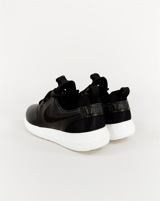 Nike Wmns Roshe Two SI | 881187 001 | Svart | Sneakers | Skor | Footish