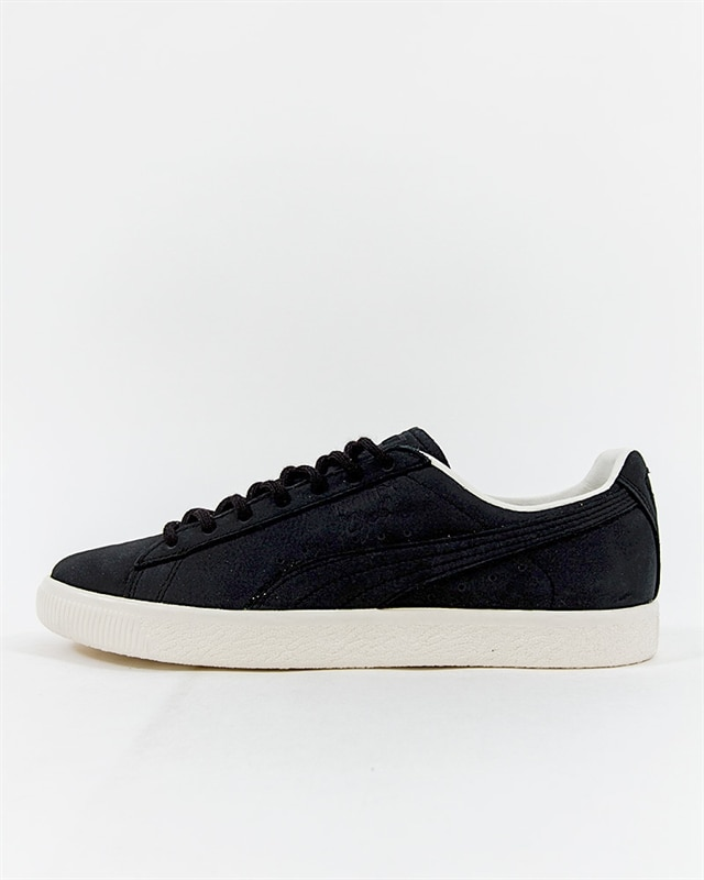 low priced 454e1 6bb80 Puma Clyde Frosted