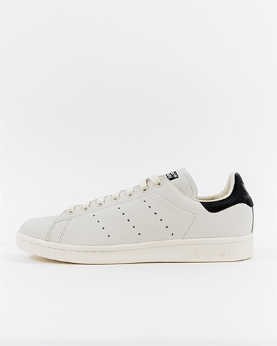 new product a48b6 a69cf adidas Originals Stan Smith