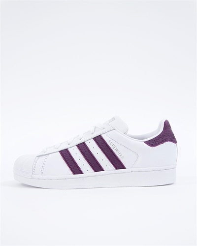 buy popular ef9f9 18cf9 adidas Originals Superstar W