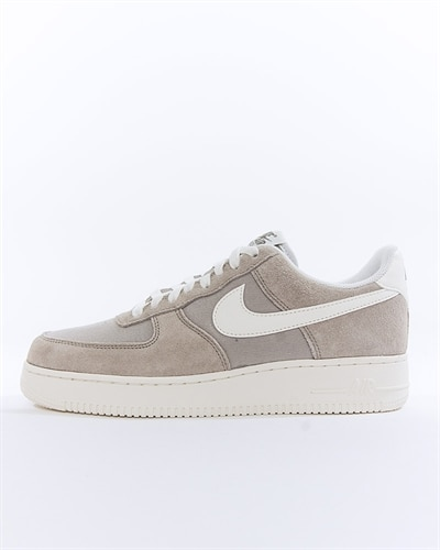 new product e154f ff0f9 Nike Air Force 1 07